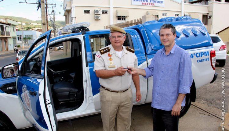 Governo Participativo entrega à Polícia Militar viatura para ronda rural