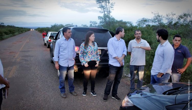 Prefeito Aldo Gondim consegue recursos para recuperação da estrada que liga Caetité à Maniaçu