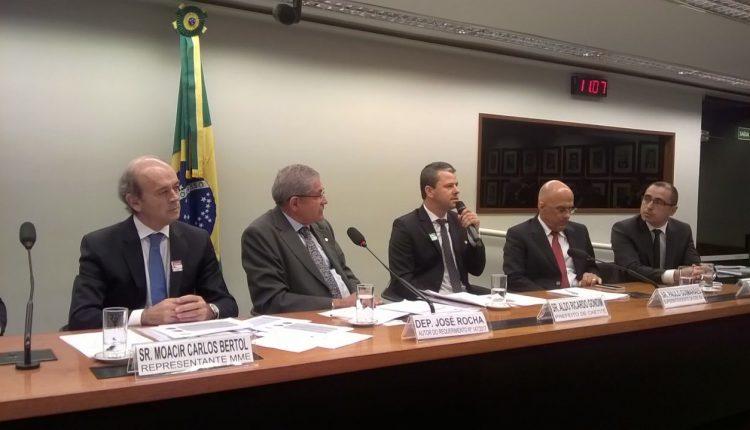 Prefeito Aldo Gondim participou de Audiência Pública sobre Energia Eólica em Brasília