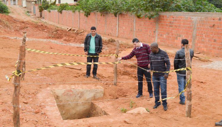 Comitiva do Governo Participativo vistoria obras em Caetité
