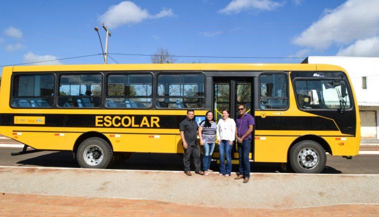 Prefeitura de Caetité recebe mais um ônibus escolar e amplia frota
