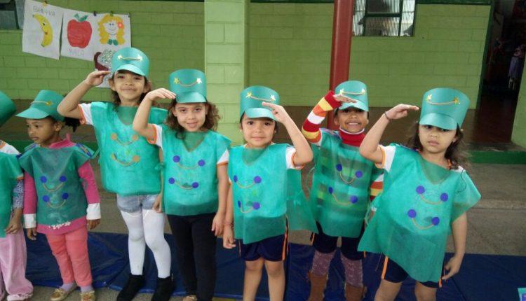 Creche Celsina Ladeia comemora Dia do Soldado