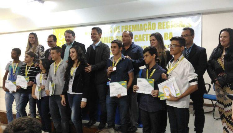 Alunos do Grupo Escolar Senador Ovídio Teixeira são premiados pela OBMEP 2016