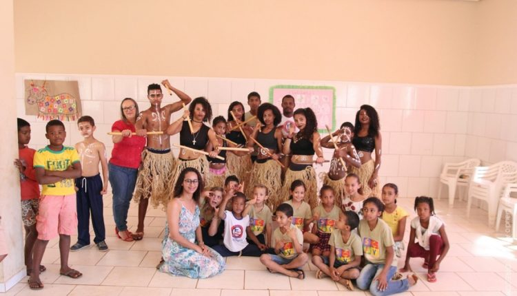 Equipe do CRAS realiza culminância de projeto sobre o Folclore