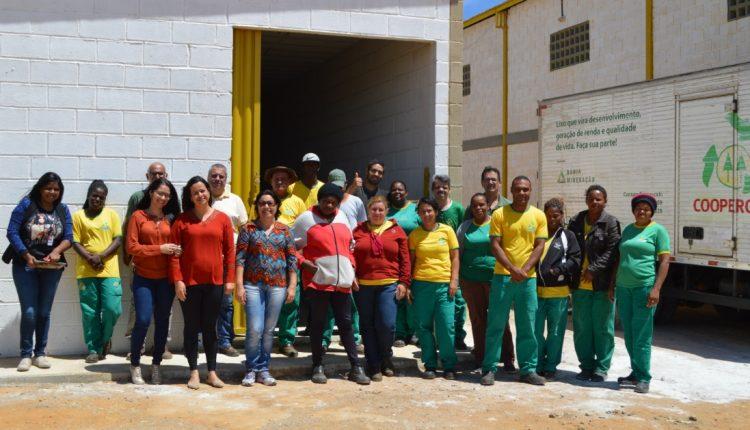 Cooperados da Coopercicli participaram de capacitação em compostagem