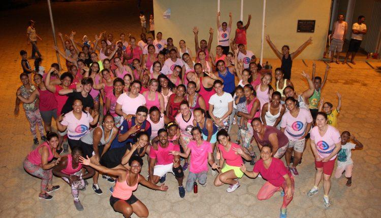 Aulão cor de rosa do projeto Vida Ativa