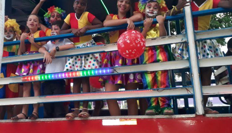 Parceria Prefeitura de Caetité – Caravana Criança Feliz e Trenzinho da Alegria garante diversão para a criançada