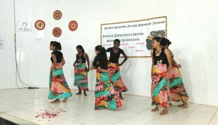 Colégios Zelinda e Nunila de Maniaçu realizam culminância do projeto Consciência Negra