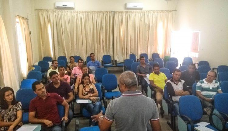 Departamento de Trânsito de Caetité realizou reunião com motoristas e proprietários  de Transporte Escolar