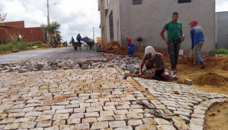 Governo Participativo calça ruas e leva mais qualidade de vida para os moradores