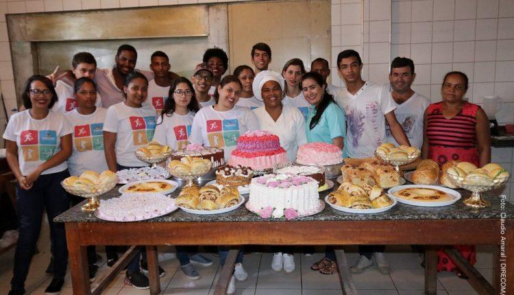 Alunos do projeto Trilha da Juventude concluem curso de capacitação