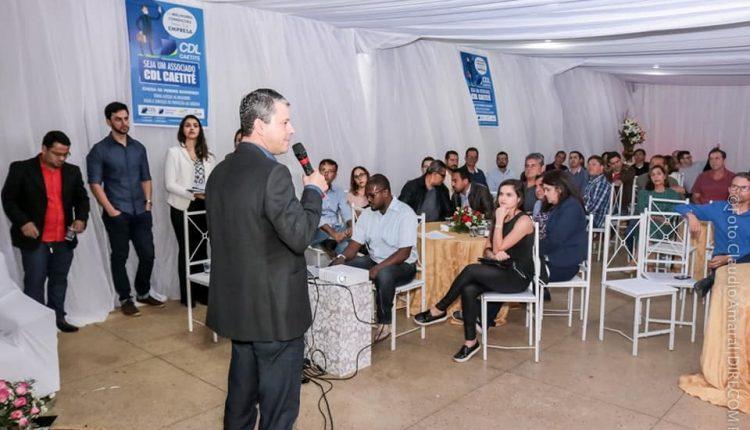 Prefeito Aldo Gondim participa de jantar com empresários promovido pela CDL