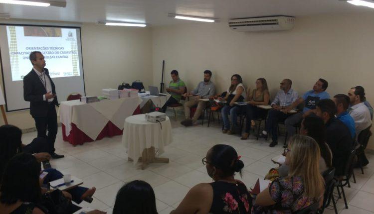 Caetité: gestor municipal do CadÚnico e Bolsa Família participa de reunião em Salvador