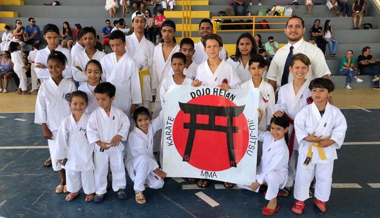 Crianças da oficina de karatê do Cras Urbano conquistam medalhas em Guanambi