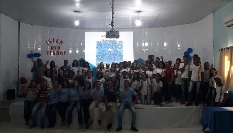 Colégios Zelinda e Nunila em Maniaçu celebram o Dia do Surdo