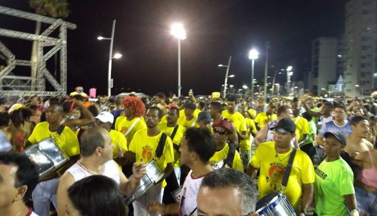 Bloco Di Caetité desfila pela primeira vez no Carnaval de Salvador e faz a alegria de foliões