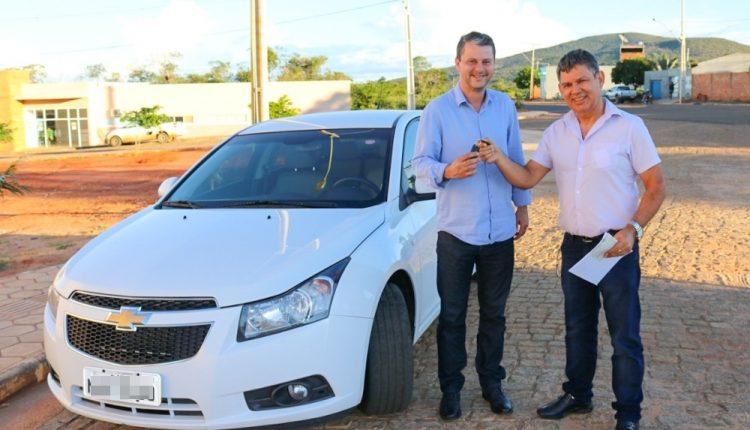 Prefeitura de Caetité recebe devolução de veículo da Câmara Municipal