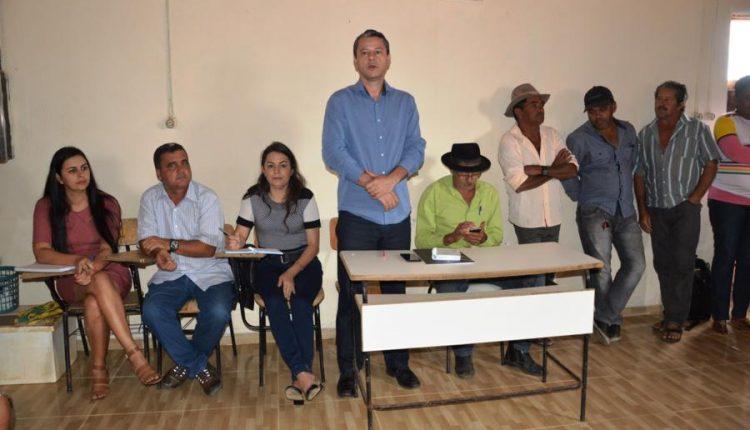 Prefeito Aldo Gondim participa de reunião na Comunidade de Formosa II e reafirma compromisso de energia elétrica para região