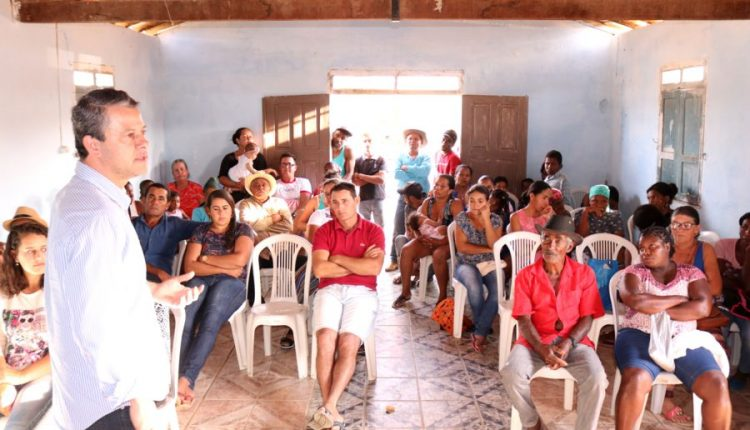 Prefeito Aldo Gondim participa de reunião na comunidade de Vargem do Sal