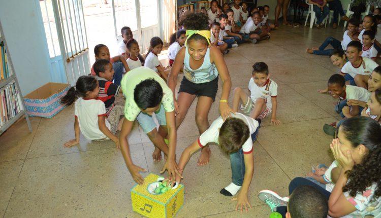 Projeto 'Biblioteca em Movimento' leva diversão à Biblioteca Municipal Cézar Zama