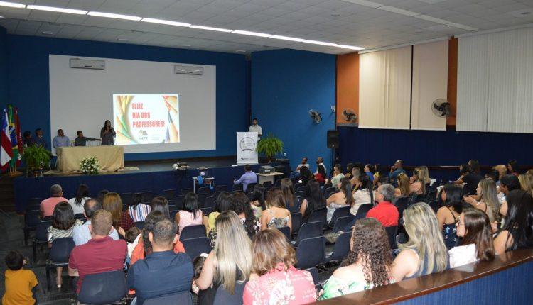 Secretaria de Educação celebra Dia do Professor com a entrega do Prêmio Anísio Teixeira