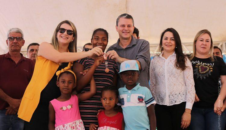 Um sonho realizado: 1.200 pessoas recebem 300 casas do Programa Minha Casa Minha Vida em Caetité