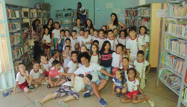 "Projeto ""Biblioteca em Movimento"" tem dinamizado a Biblioteca Municipal Cézar Zama"