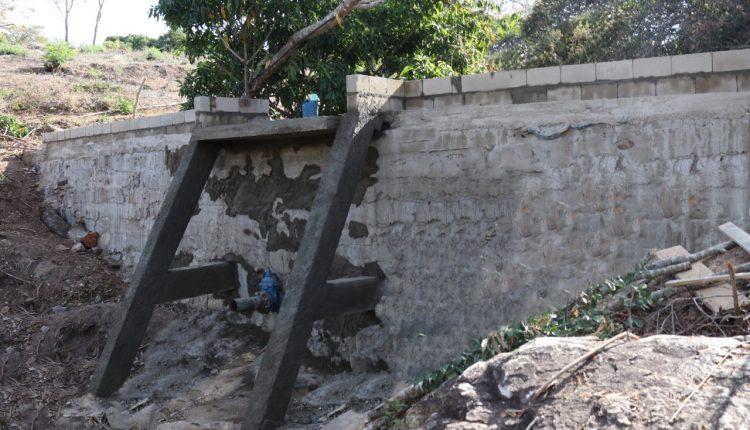 Prefeitura de Caetité constrói barragem na comunidade de Taquaril