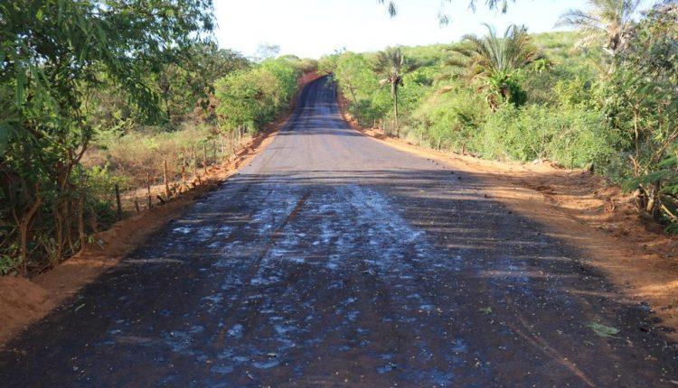 Obra tamanho G: Prefeitura de Caetité investe recursos próprios na pavimentação da ladeira do Cumbe em Santa Luzia