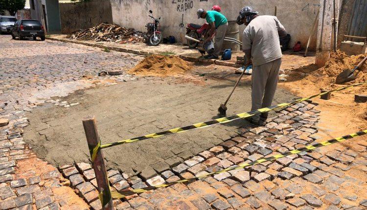 Prefeitura de Caetité trabalha para reduzir impactos do temporal na cidade
