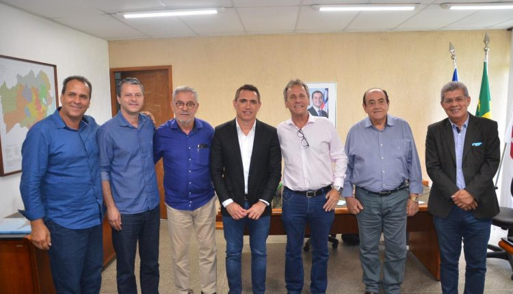 Prefeito Aldo Gondim assina convênio para um grande investimento em saneamento básico para Caetité